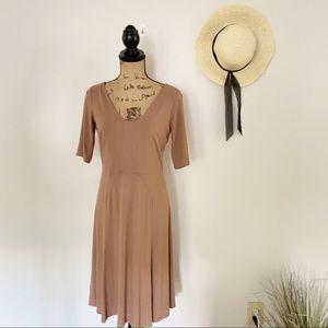 Ann Taylor Neutral Midi Dress Size 4 NWT